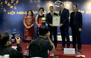 intel injects additional 475 million into vietnam facility