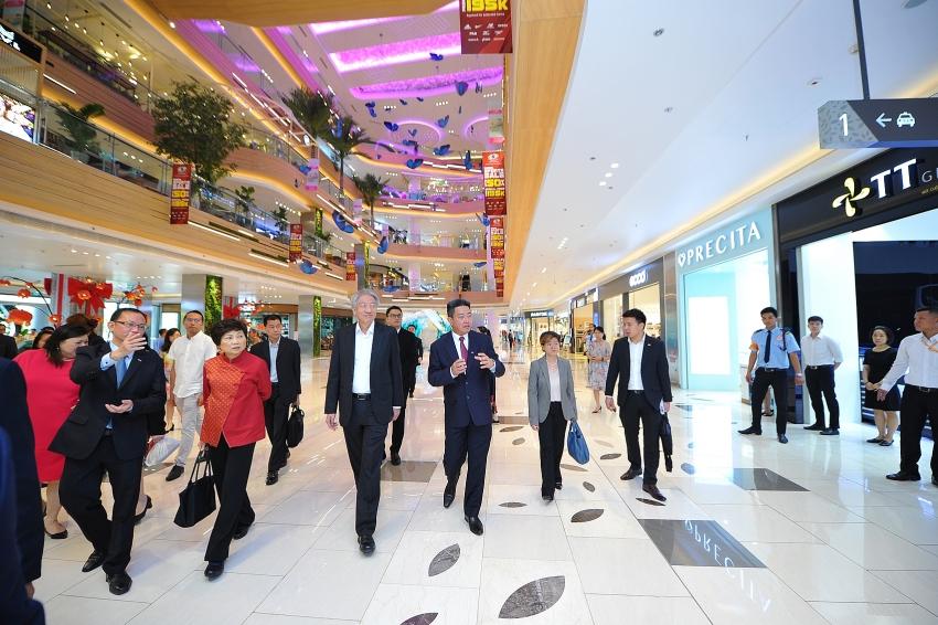 singaporean deputy prime minister tours estella place