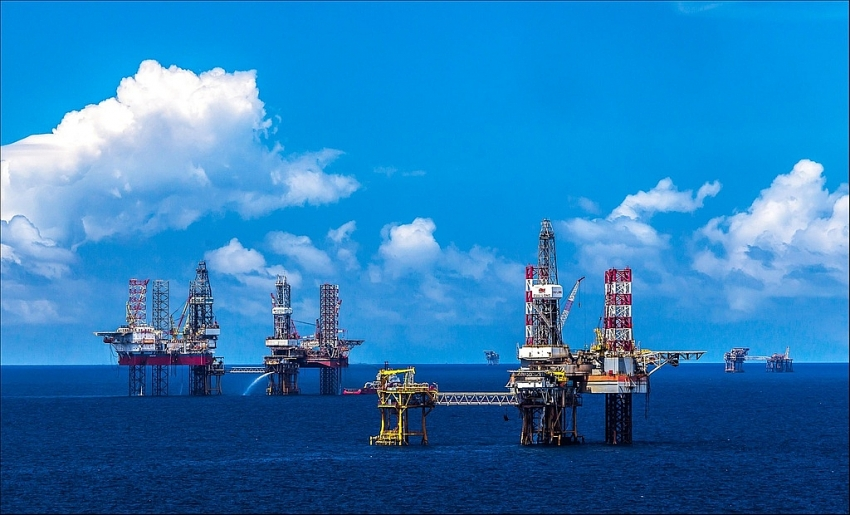 petrovietnam rolls out measures to cope with covid 19 and oil prices