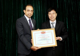 Prudential Finance retains throne with third Excellent Performance Award from SBV
