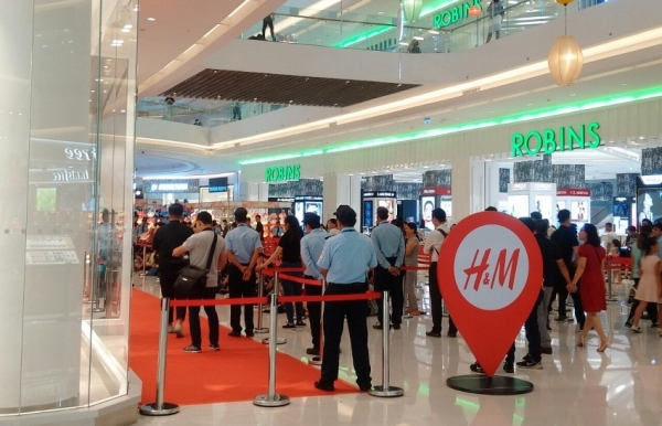hm opens third store in ho chi minh city