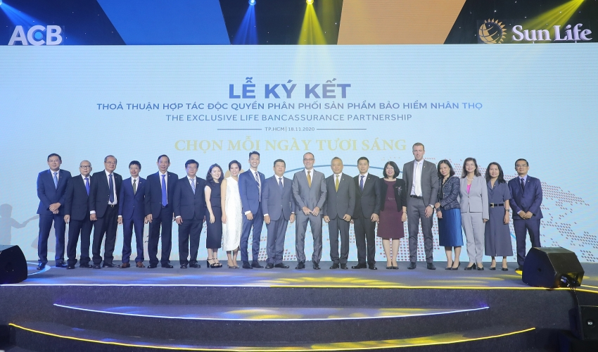 acb and sun life vietnam announce exclusive bancassurance partnership