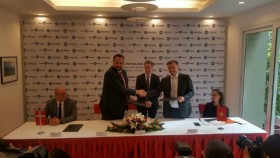 vung ro petroleum shakes hands with denimotech
