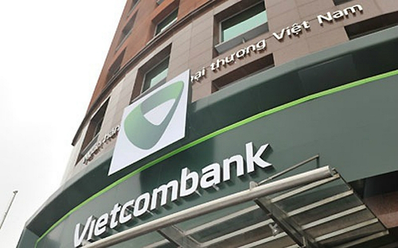 vietcombank sell down sends national airline crashing