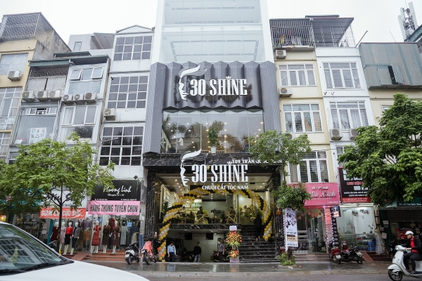 30shine rises high with aws cloud