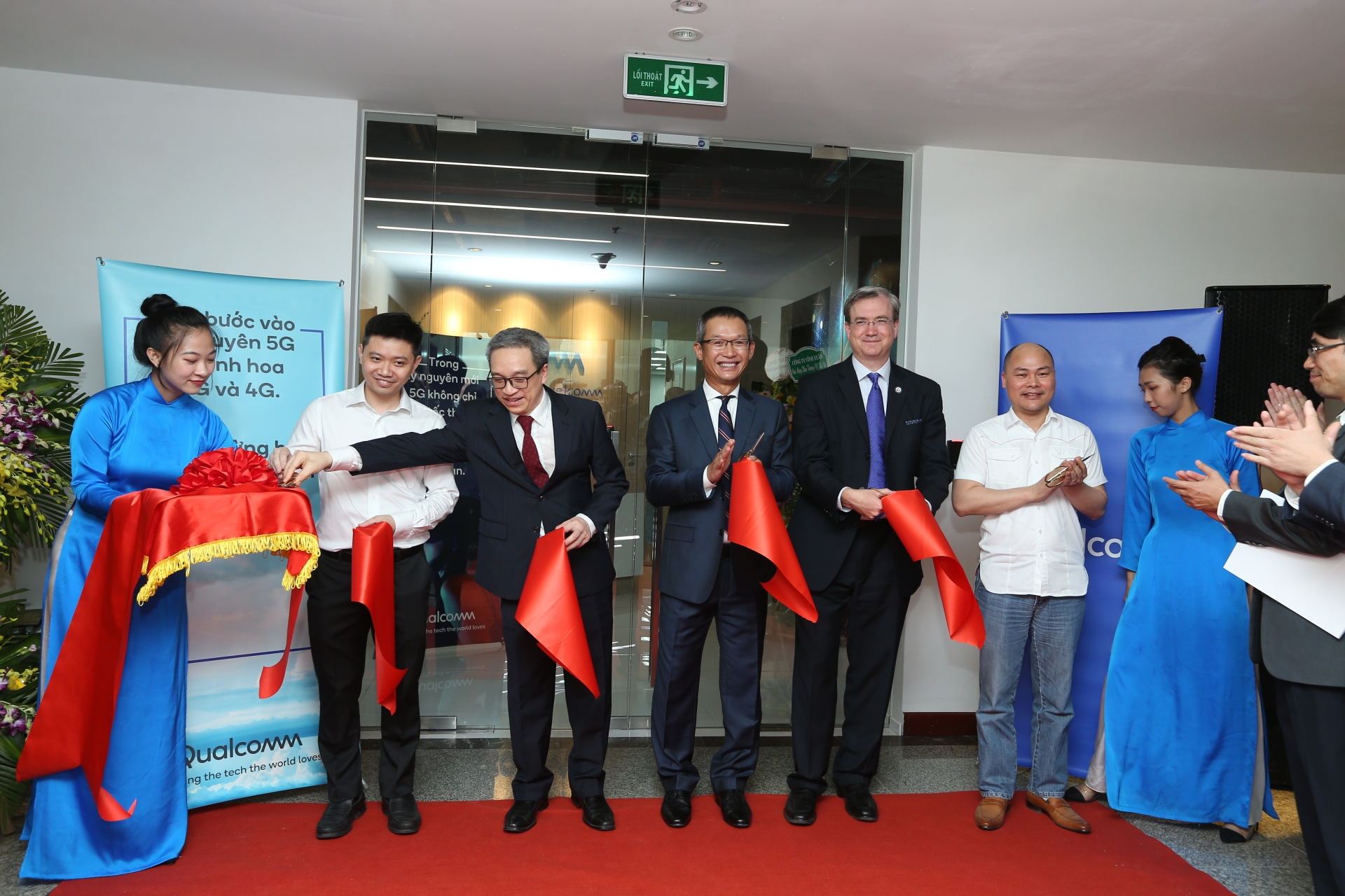 qualcomm inaugurates new interoperability testing laboratory and head office in hanoi