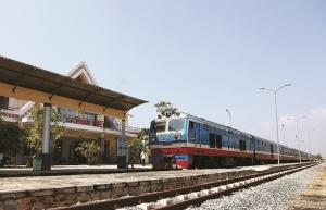 vietnam railways strengthens cargo transportation to ease losses