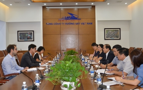 french firms eye railway projects in vietnam