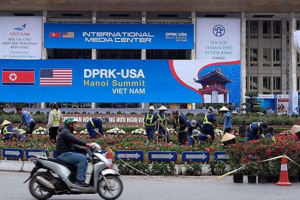 hanoi to celebrate the dprk us hanoi summit with flags and flowers