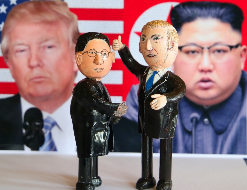 north korean and us leaders brought to life in eggshell figurines