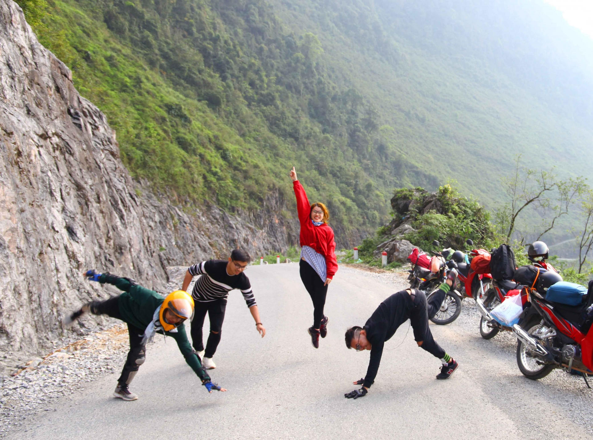 undulating bends of hanh phuc road mesmerise foreign tourists