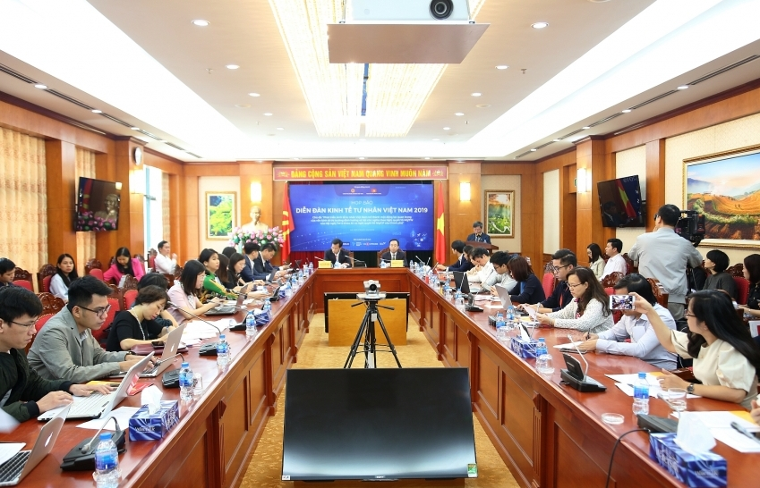 hanoi event to promote private sector development