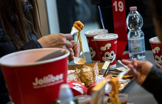 jollibee shares fall after spending 350 million to buy coffee bean tea leaf