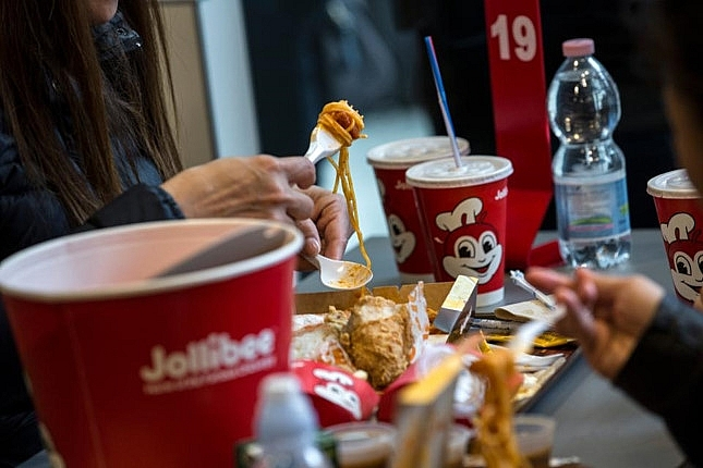 jollibee shares fall after spending 350 million to buy coffee bean