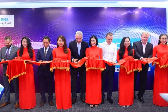 siemens opens training centre in vietnam