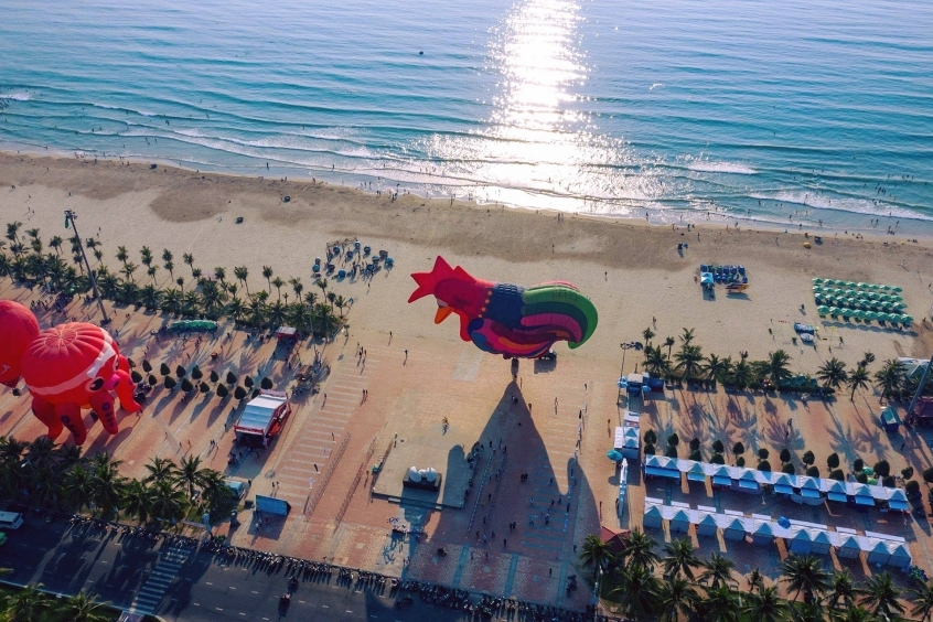 more than 380000 visitors calling on danang during holiday