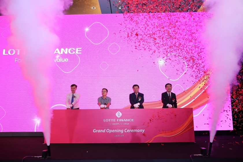 lotte finance marks official debut in vietnam