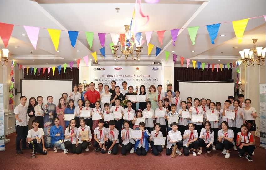 awards ceremony of environment minded contest closed