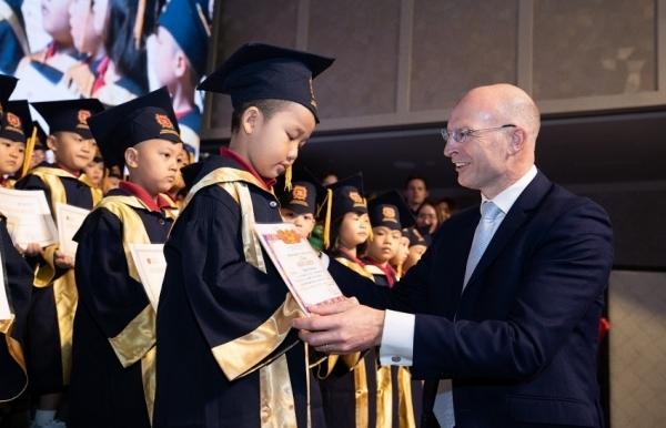 parent school choices shape development of education market
