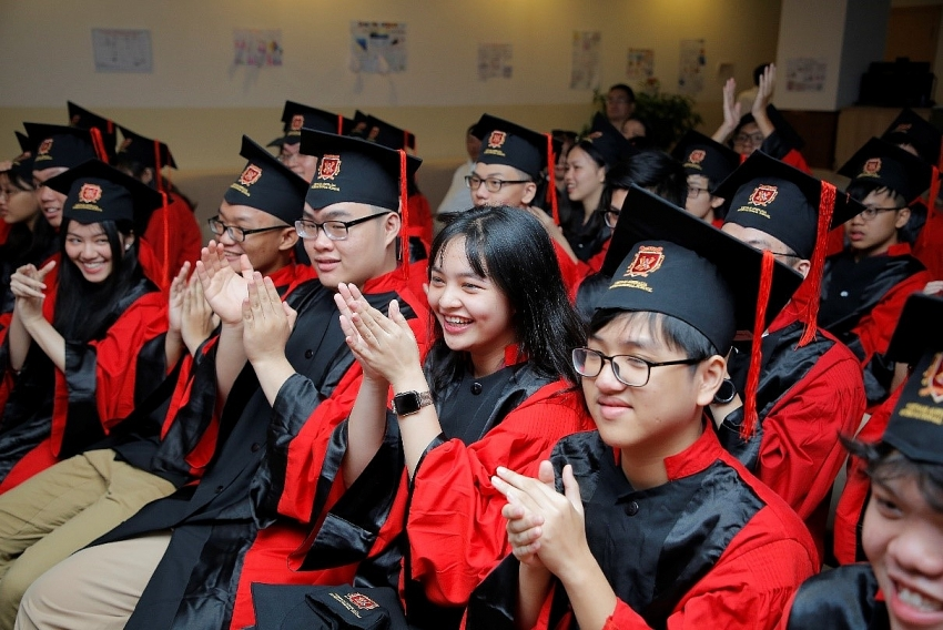 fourteen vas students win scholarships worth more than 174 million for overseas study