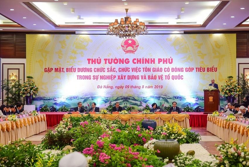 prime minister praises religious dignitaries in danang