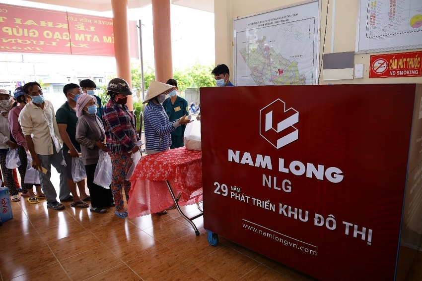 nam long group sets up rice atms to support long an amidst covid 19
