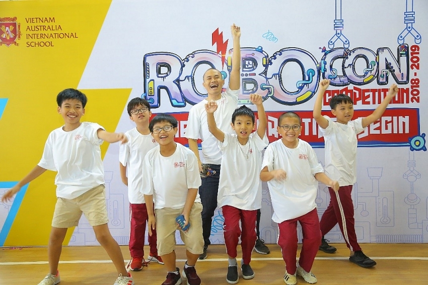 vas instils passion for creating and programming robots in primary students