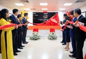 hanwha life vietnam deepens footprint in ho chi minh city