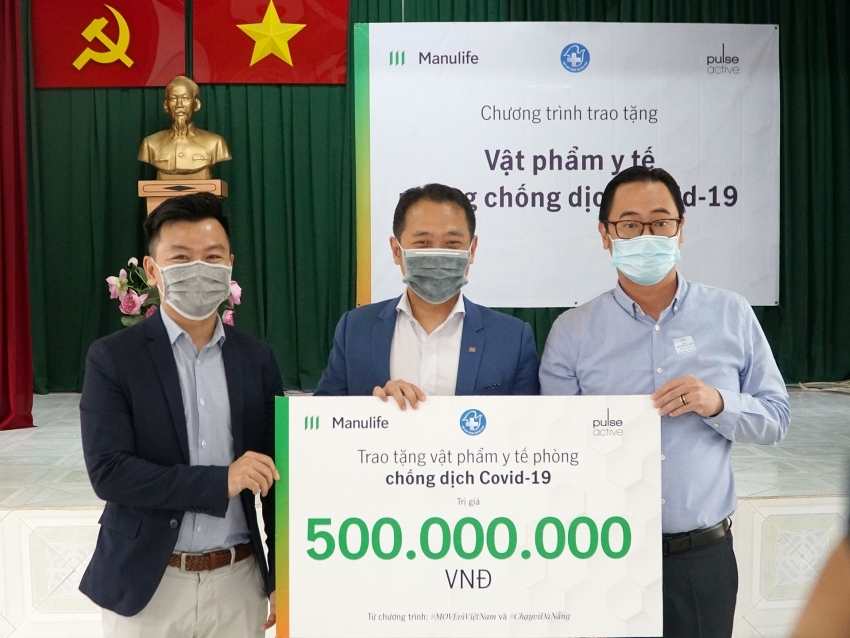manulife vietnam donates medical supplies to aid covid 19 frontline workers