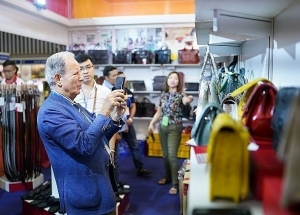 an expo for vietnamese footwear to stride forward