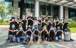 le meridien saigon street clean up day