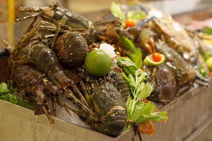 a favourite address of seafood lovers in ho chi minh city