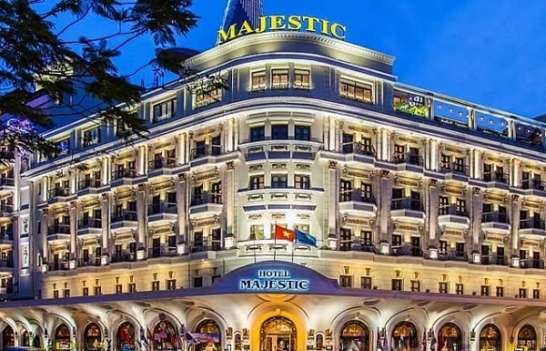 holiday vibrations at majestic saigon