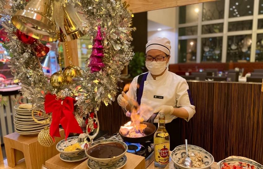new year buffet dinner at grand mercure danang