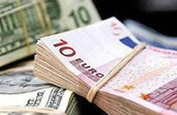 euro hits 1 month high vs dollar after debt sales