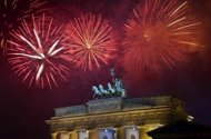 World rings in New Year in blaze of fireworks