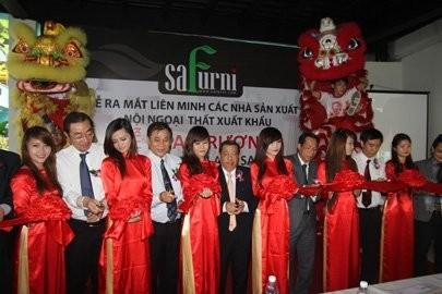 safurni opens citys furniture center