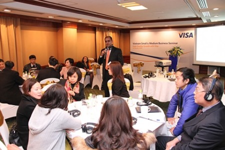 more vietnamese business owners seeking electronic payments to manage expenses