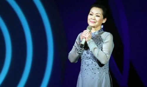 Khanh Ly postpones show in Vietnam, again, over husband's death