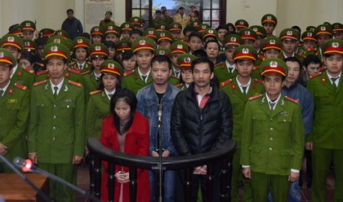 eight get death for dealing 190kg of heroin in vietnam