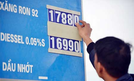 gasoline falls by another 10 uscent per litre in vietnam