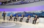 VN captures extensive interests in Davos 2015