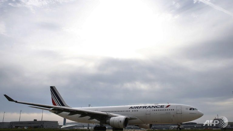 air france says paris attacks cost 70 million in december