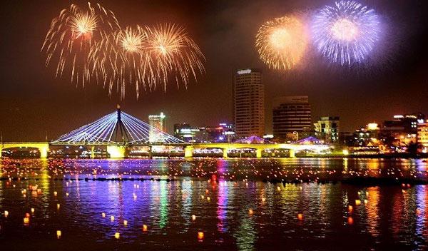 Danang's Fireworks Festival 2015