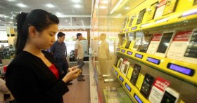Smartphone market: Vietnamese brands thrive among foreign giants
