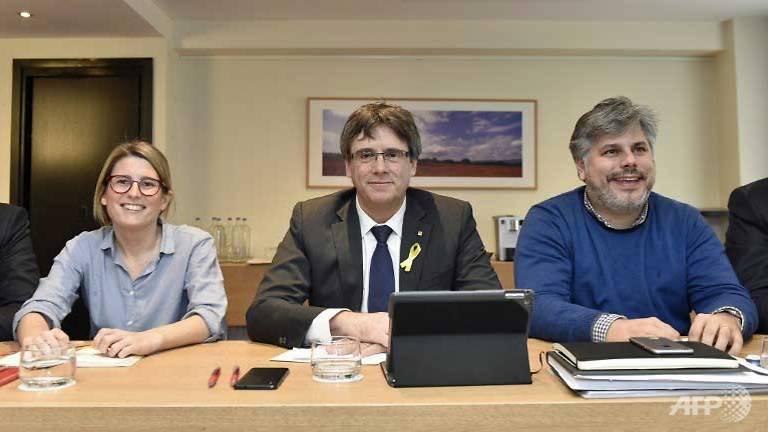 madrid to keep catalonia reins if puigdemont seeks remote rule