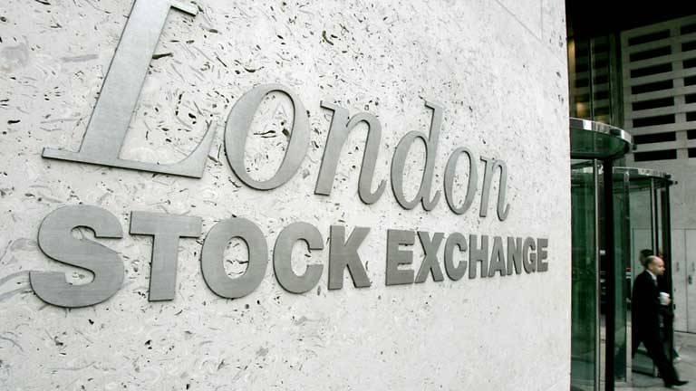 european stocks dip bitcoin crashes below us 10000
