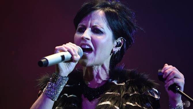 thousands in ireland honour late cranberries singer dolores oriordan