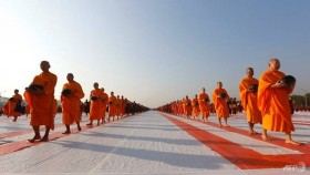 Scandal-hit Thai temple helps to stage mass Buddhist event in Myanmar