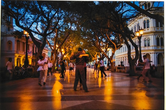 exhibition shows cuba through the lens